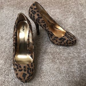 Mossimo Supply Co. heels women's size 8.5